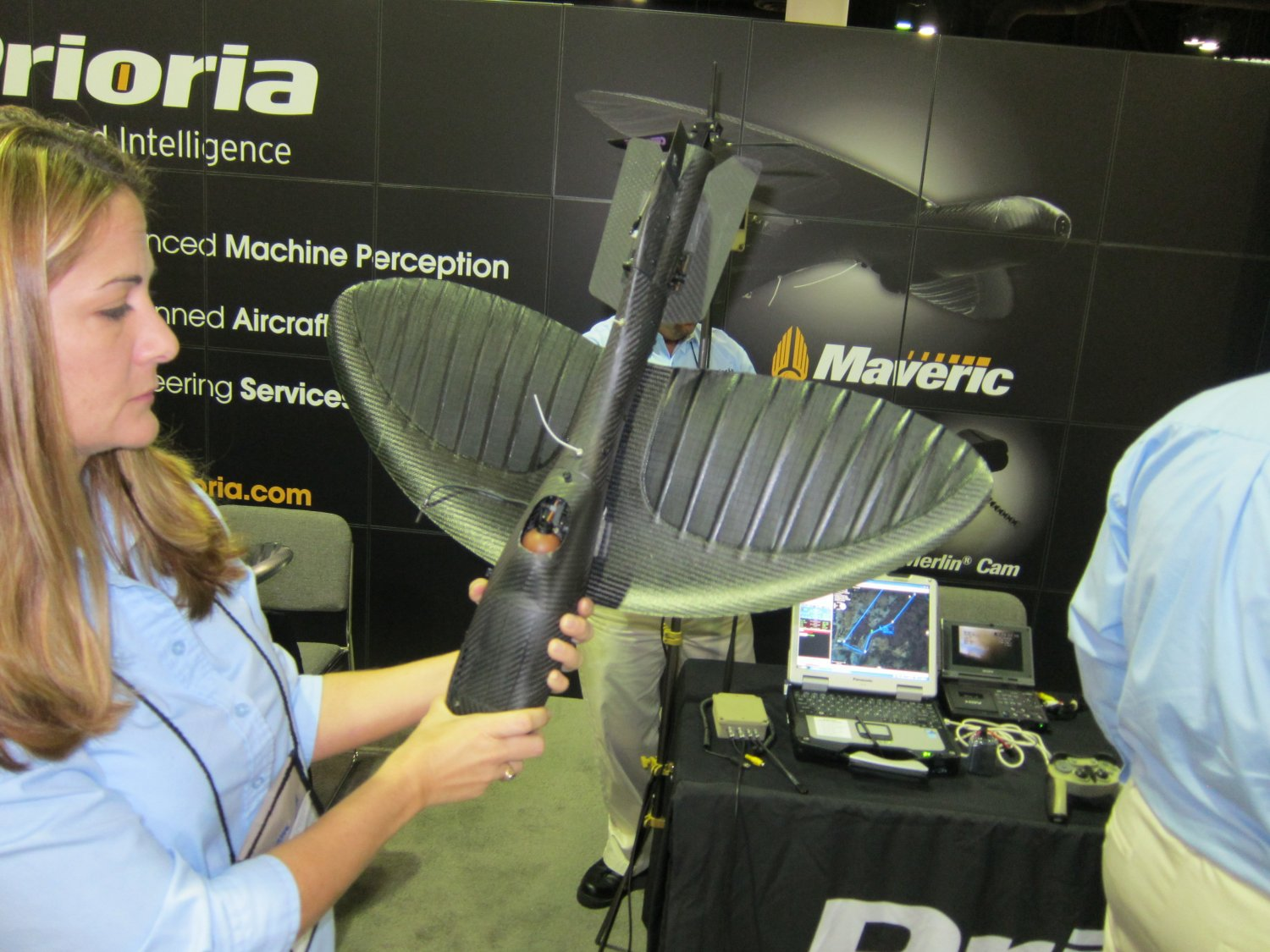 Prioria Robotics Maveric UAS Unmanned Aircraft System Flexible Bendable Wing Throwable SUAV Small Unmanned Aerial Vehicle C4ISR SOFIC 2011 10 <!  :en  >Prioria Robotics Maveric Flexible Wing Mini UAS (Mini Unmanned Aircraft System) at SOFIC 2011: Manpackable, Throwable SUAV (Small Unmanned Aerial Vehicle) with Flexible/Bendable Wing! (Photos and Video!) <!  :  >
