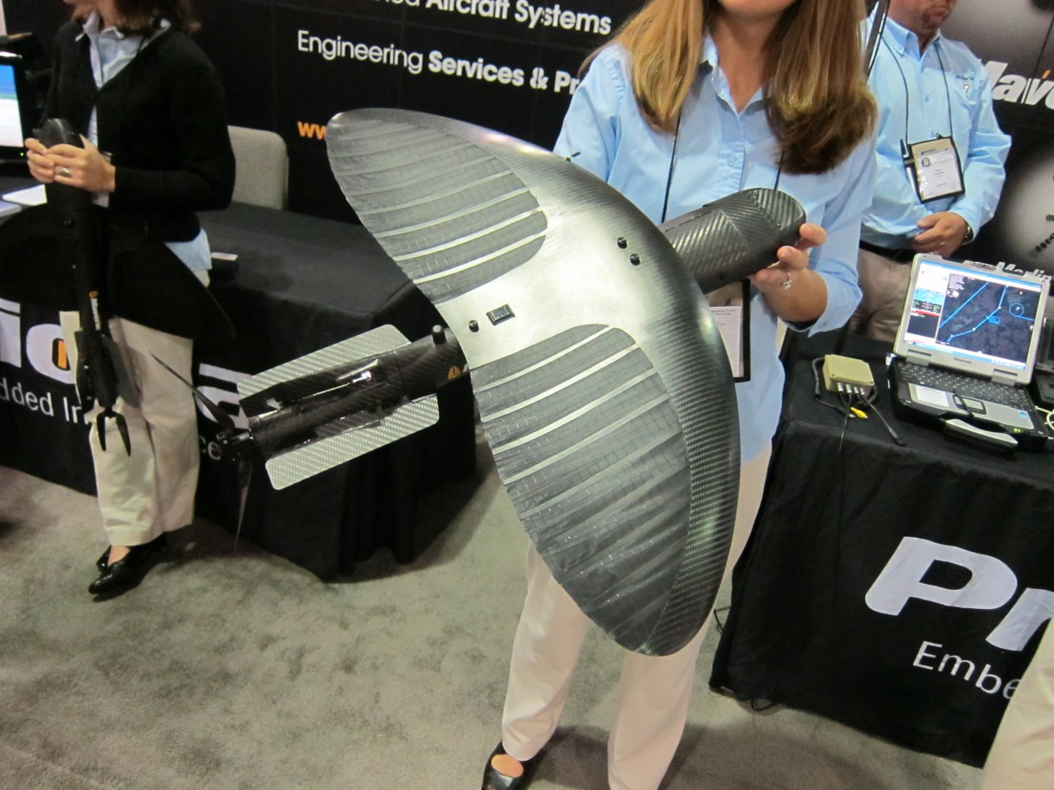 <!--:en-->Prioria Robotics Maveric Flexible-Wing Mini-UAS (Mini-Unmanned Aircraft System) at SOFIC 2011: Manpackable, Throwable SUAV (Small Unmanned Aerial Vehicle) with Flexible/Bendable Wing! (Photos and Video!) <!--:-->