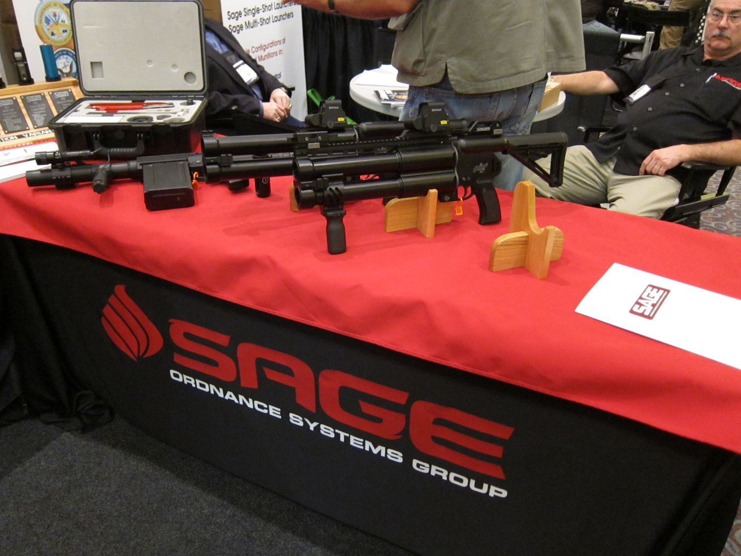 Sage Ordnance Systems Deuce Dual 40mm Grenade Launcher SHOT Show 2011 4 <!  :en  >Sage Ordnance Systems Deuce Over/Under Dual 40mm (40x46mm NATO)/37mm Sage Rifled/37mm Smooth Bore Grenade Launcher and Prototype Mag Fed Semi Auto 37mm Grenade Launcher <!  :  >