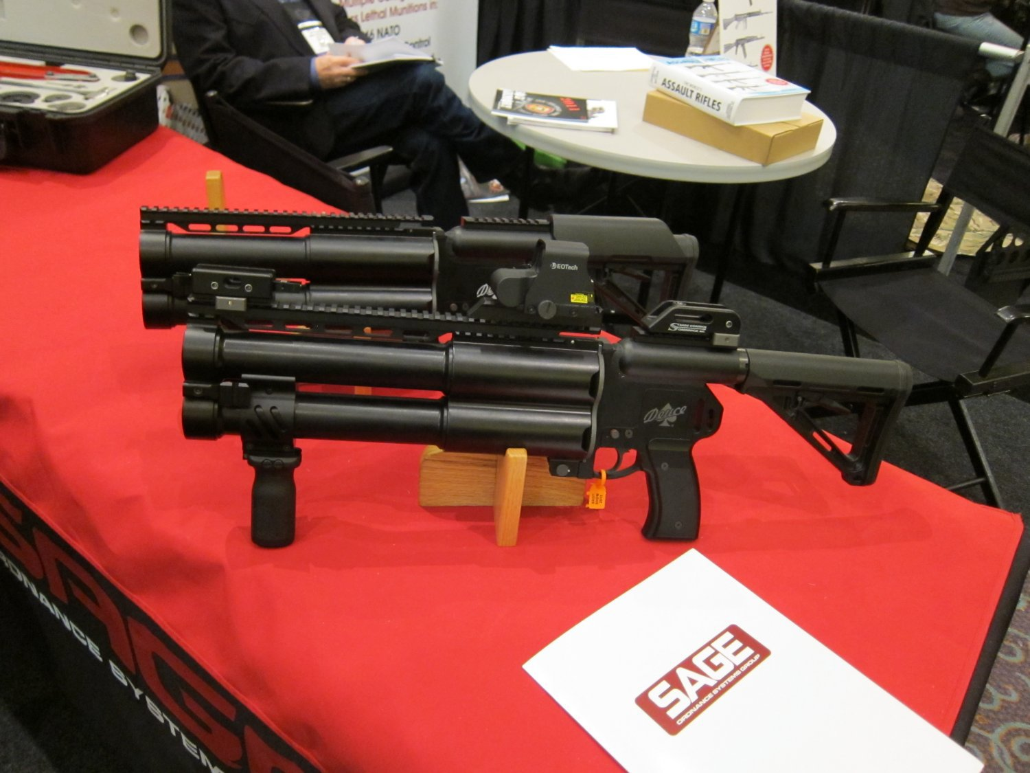 Sage Ordnance Systems Deuce Dual 40mm Grenade Launcher SHOT Show 2011 5 <!  :en  >Sage Ordnance Systems Deuce Over/Under Dual 40mm (40x46mm NATO)/37mm Sage Rifled/37mm Smooth Bore Grenade Launcher and Prototype Mag Fed Semi Auto 37mm Grenade Launcher <!  :  >
