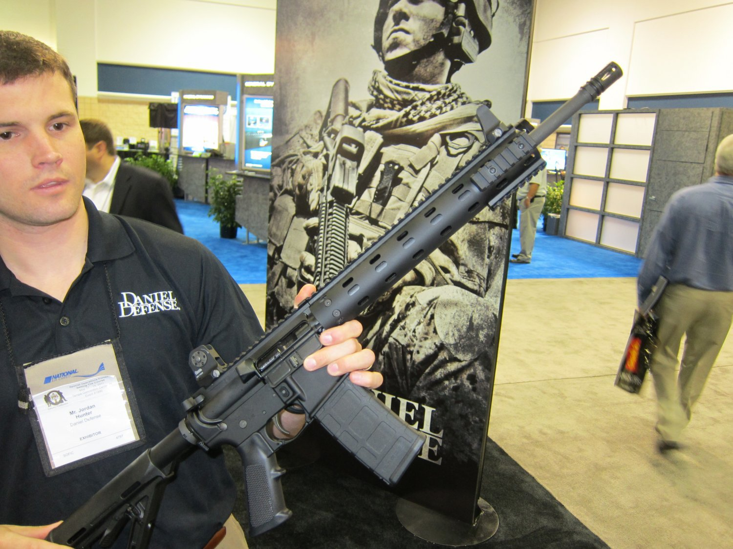 Daniel Defense DDM4v7 (also written DDM4 v7) Mid-Length Tactical AR Carbine/Rifle Outfitted with DD MFR 12.0 (Daniel Defense Modular Float Rail 12.0) Lightweight Modular Tactical Handguard/Rail System and Contour Gun Cam (Video Camera) System at SOFIC 2011 (Video!)