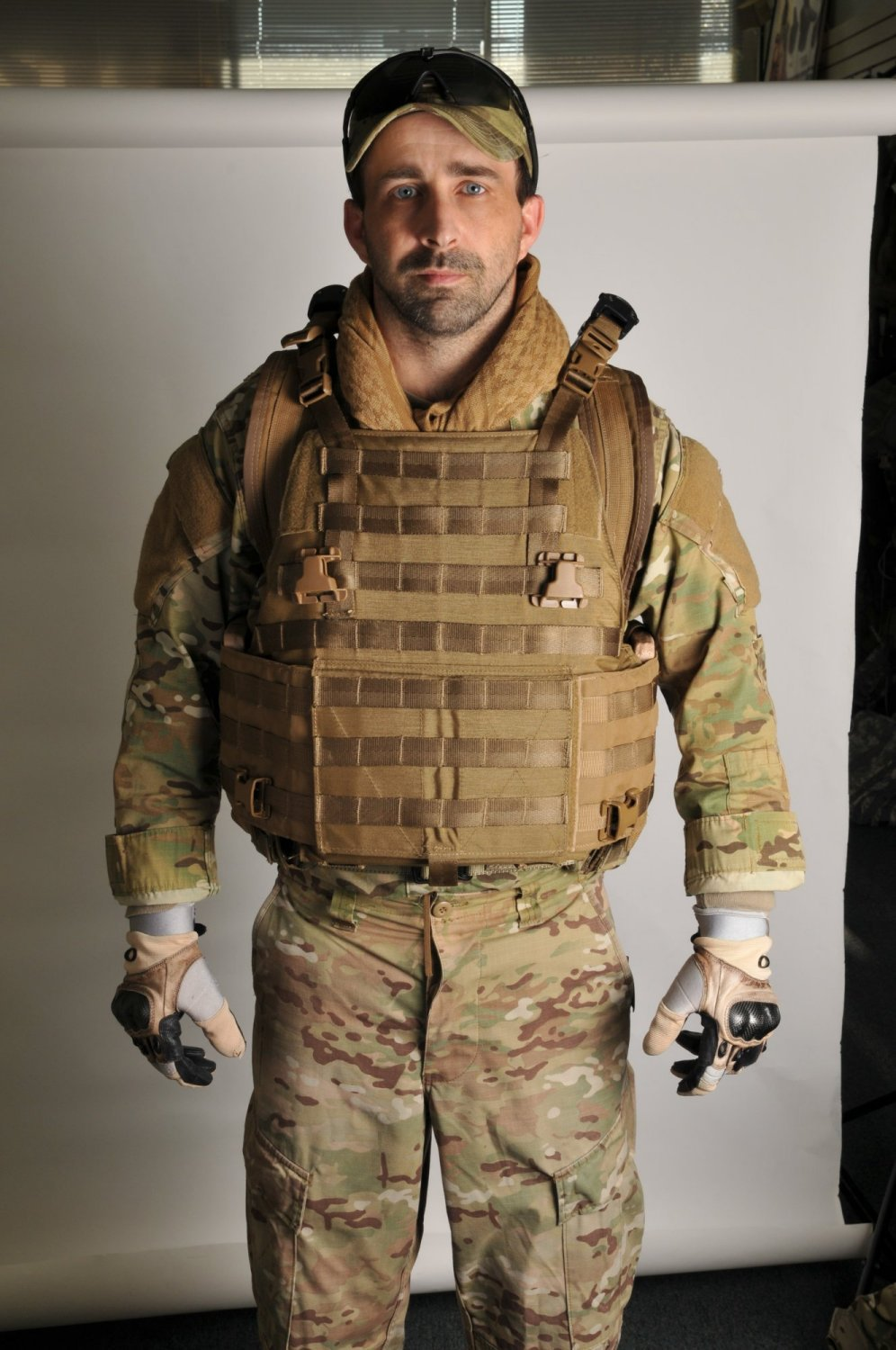 Archangel Armor Internal Frame Load Bearing System IFLBS Version 5 Tactical Armor Plate Carrier System Paul Carter Photo 1 <!  :en  >Archangel Armor Internal Frame Load Bearing System (IFLBS) Version 5 Tactical Armor Plate Carrier/Tactical Vest System: Lighten your load when youre in combat mode!<!  :  >