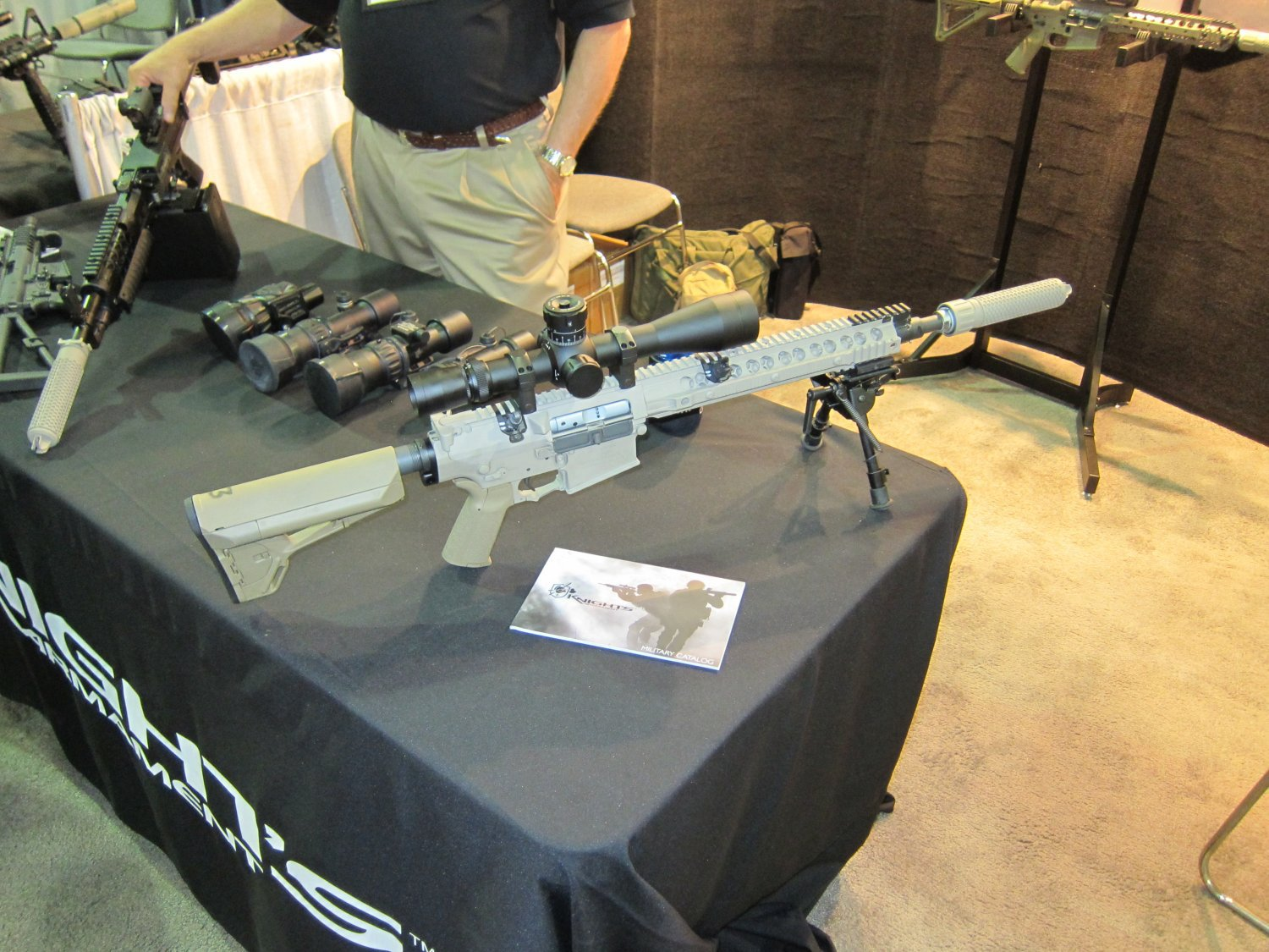 KAC M110 SASS Carbine Compact SR 25 EM Carbine SOFIC 2011 DefenseReview.com DR 2 Knights Armament Co. KAC M110 SASS/SR 25 EM Carbine/Compact 16 7.62mm NATO Battle Carbine with KAC 762 MAMS Muzzle Brake and KAC QDC and CQB Muzzle Cans (Silencers/Sound Suppressors): Range Session (Photos and Video!)