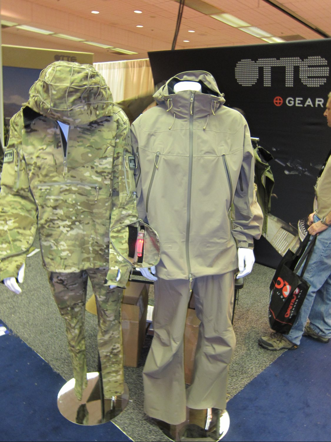 OTTE Gear Combat Anorak Hooded Pullover Tactical Softshell Jacket SHOT Show 2011 DefenseReview.com DR 3 <!  :en  >OTTE Gear Recce/Overwatch Anorak: High End, High Tech Tactical/Combat Soft Shell Hoodie Sniper Jacket (Pullover Type) with Crye MultiCam Camouflage Pattern and Ghillie Platform for Snipers, Recce Operators/Assaulters and Civilian Tactical Shooters<!  :  >