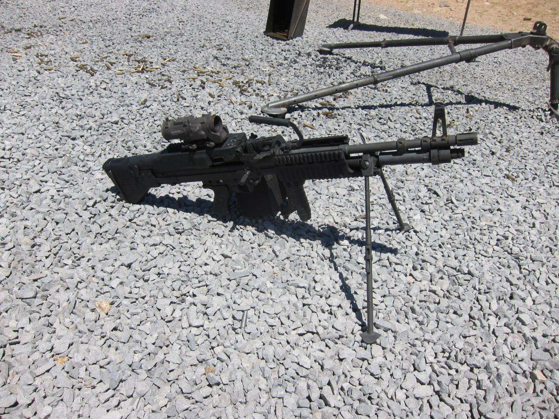 U.S. Ordnance Mk43 Mod 1 M60E4 Medium Machine Gun 7.62mm MMG 1 <!  :en  >U.S. Ordnance Mk43 Mod 1/M60E4 Commando 7.62mm NATO Medium Machine Gun (MMG) for Special Operations Forces (U.S. Navy SEALs): Latest Version Weapon Gets Test Fired at the Range (Video!) <!  :  >