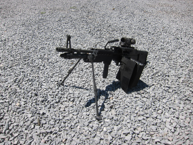 U.S. Ordnance Mk43 Mod 1 M60E4 Medium Machine Gun 7.62mm MMG 3 <!  :en  >U.S. Ordnance Mk43 Mod 1/M60E4 Commando 7.62mm NATO Medium Machine Gun (MMG) for Special Operations Forces (U.S. Navy SEALs): Latest Version Weapon Gets Test Fired at the Range (Video!) <!  :  >