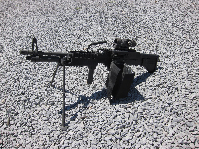 U.S. Ordnance Mk43 Mod 1 M60E4 Medium Machine Gun 7.62mm MMG 4 <!  :en  >U.S. Ordnance Mk43 Mod 1/M60E4 Commando 7.62mm NATO Medium Machine Gun (MMG) for Special Operations Forces (U.S. Navy SEALs): Latest Version Weapon Gets Test Fired at the Range (Video!) <!  :  >