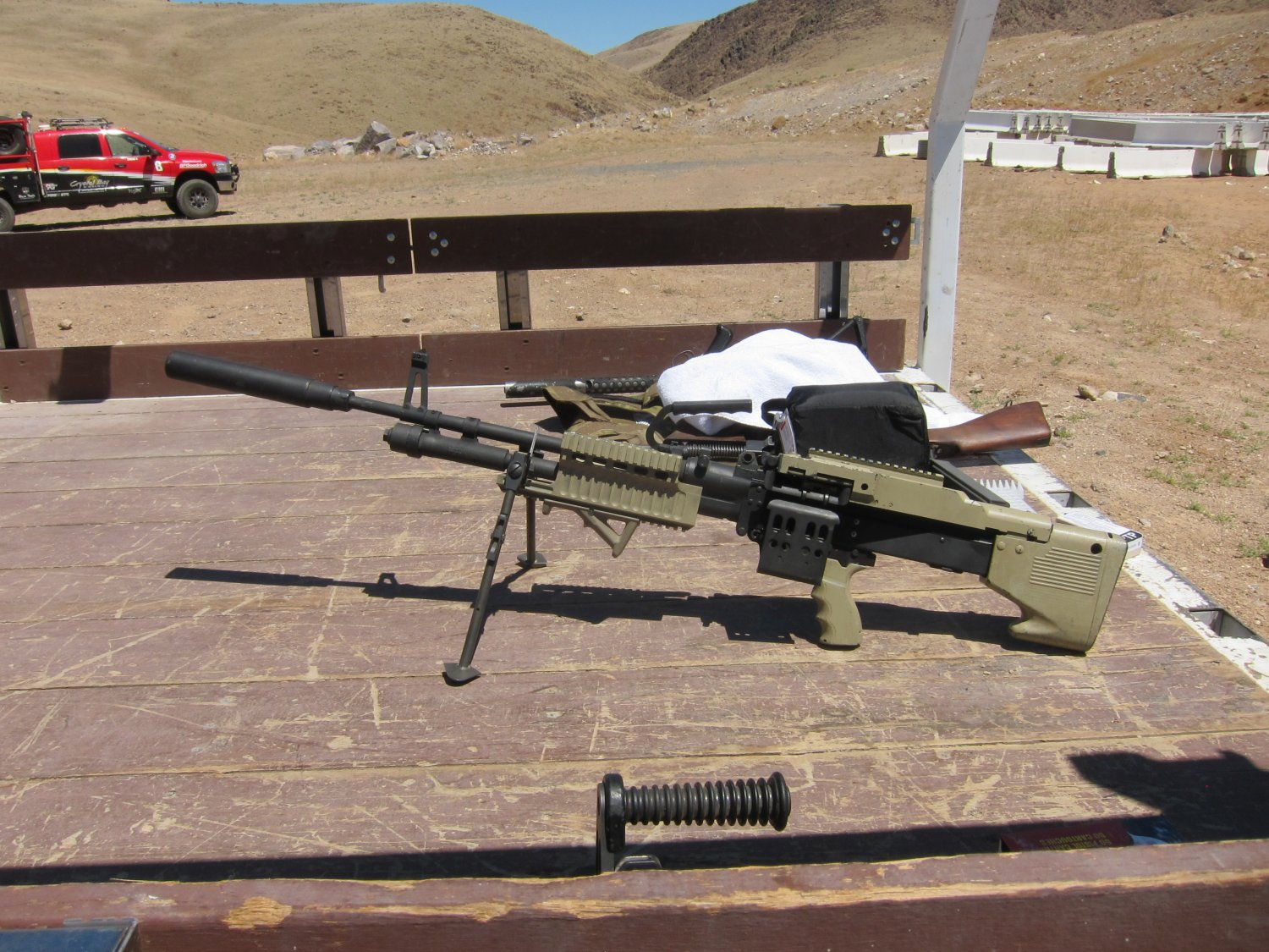 U.S. Ordnance Mk43 Mod 1 M60E4 Medium Machine Gun 7.62mm MMG Future Version 10 <!  :en  >U.S. Ordnance Mk43 Mod 1/M60E4 Commando 7.62mm NATO Medium Machine Gun (MMG) for Special Operations Forces (U.S. Navy SEALs): Latest Version Weapon Gets Test Fired at the Range (Video!) <!  :  >