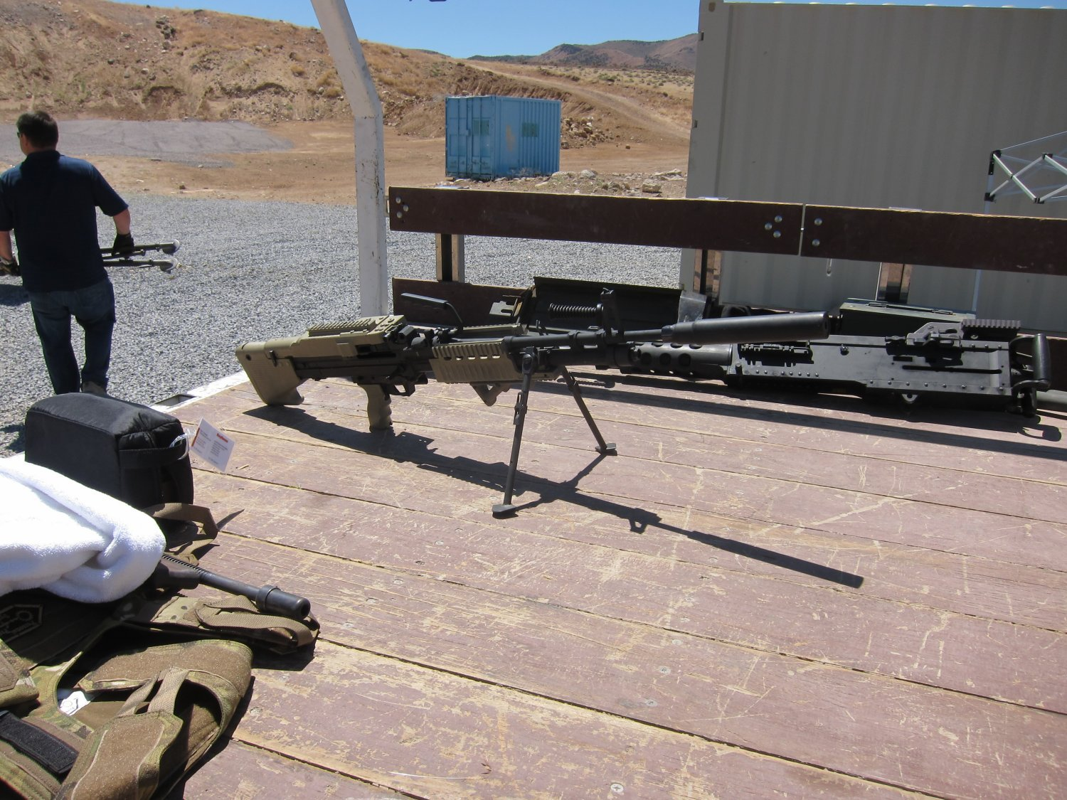 U.S. Ordnance Mk43 Mod 1 M60E4 Medium Machine Gun 7.62mm MMG Future Version 4 <!  :en  >U.S. Ordnance Mk43 Mod 1/M60E4 Commando 7.62mm NATO Medium Machine Gun (MMG) for Special Operations Forces (U.S. Navy SEALs): Latest Version Weapon Gets Test Fired at the Range (Video!) <!  :  >