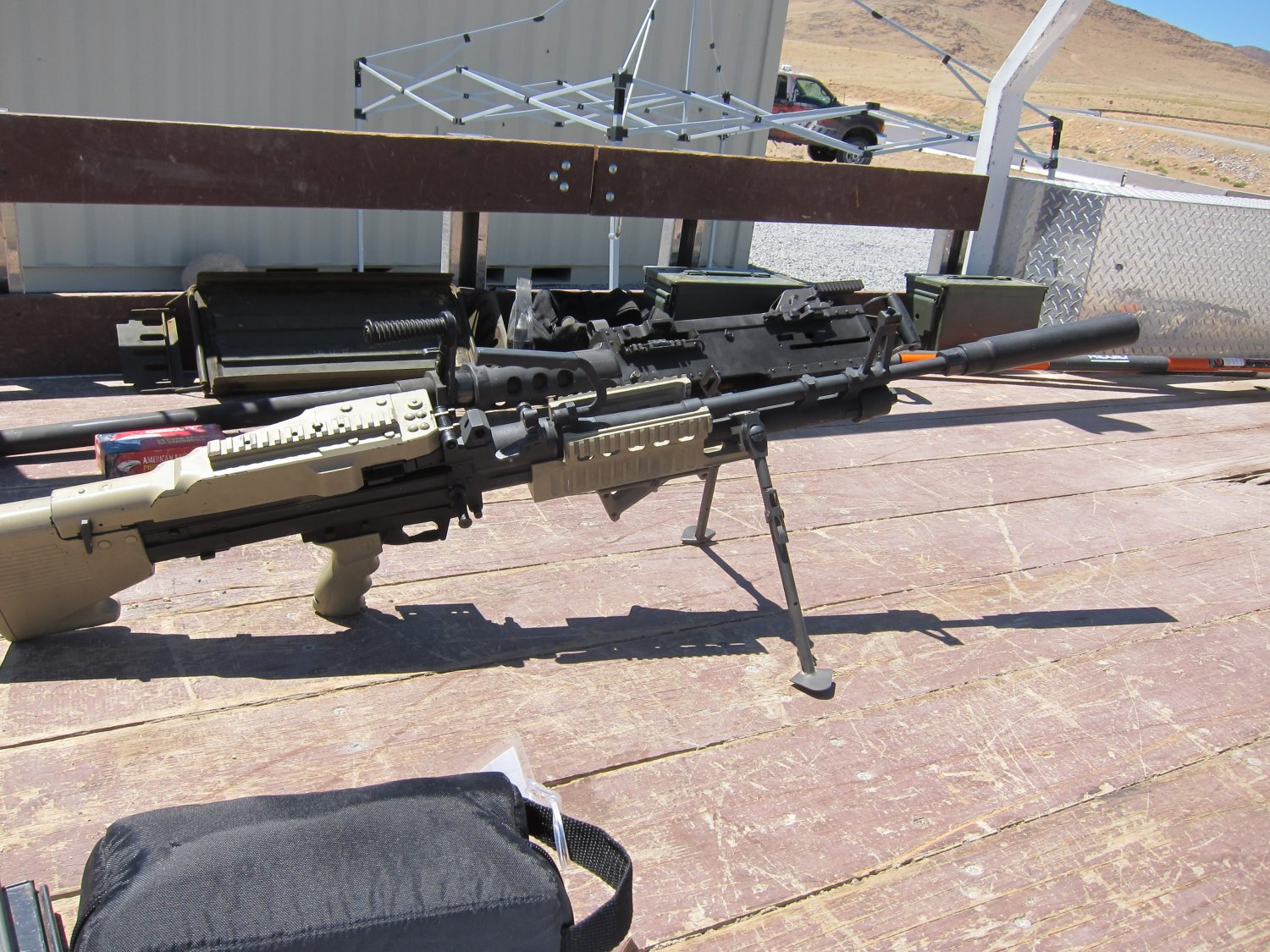U.S. Ordnance Mk43 Mod 1 M60E4 Medium Machine Gun 7.62mm MMG Future Version 7 <!  :en  >U.S. Ordnance Mk43 Mod 1/M60E4 Commando 7.62mm NATO Medium Machine Gun (MMG) for Special Operations Forces (U.S. Navy SEALs): Latest Version Weapon Gets Test Fired at the Range (Video!) <!  :  >