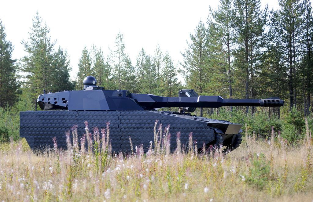 BAE Systems ADAPTIV Thermal IR Infrared Adaptive Camouflage Invisibility Cloak Armor Technology 3 <!  :en  >BAE Systems ADAPTIV Hexagonal Pixelated Thermal/IR (Infared)/Multispectral Adaptive Camouflage/Invisibility Cloaking System/Vehicle Armor System for Infantry Ground Vehicles (Armored Vehicles, APCs and Main Battle Tanks), Aircraft (Helicopters and Fixe Wing), Ships and Structures/Buildings: Active Camouflage for Vehicles Gets Real<!  :  >