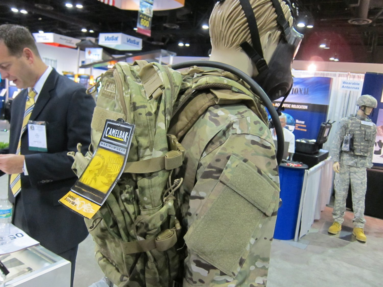 <!--:en-->Camelbak Ambush AB 500, Thermobak AB, and Linchpin Tactical Hydration Packs/Reservoirs with Direct Armor Attachment System (D.A.A.S.): Strap your tactical hydration directly to your tactical armor plate carrier/tactical vest system! <!--:-->