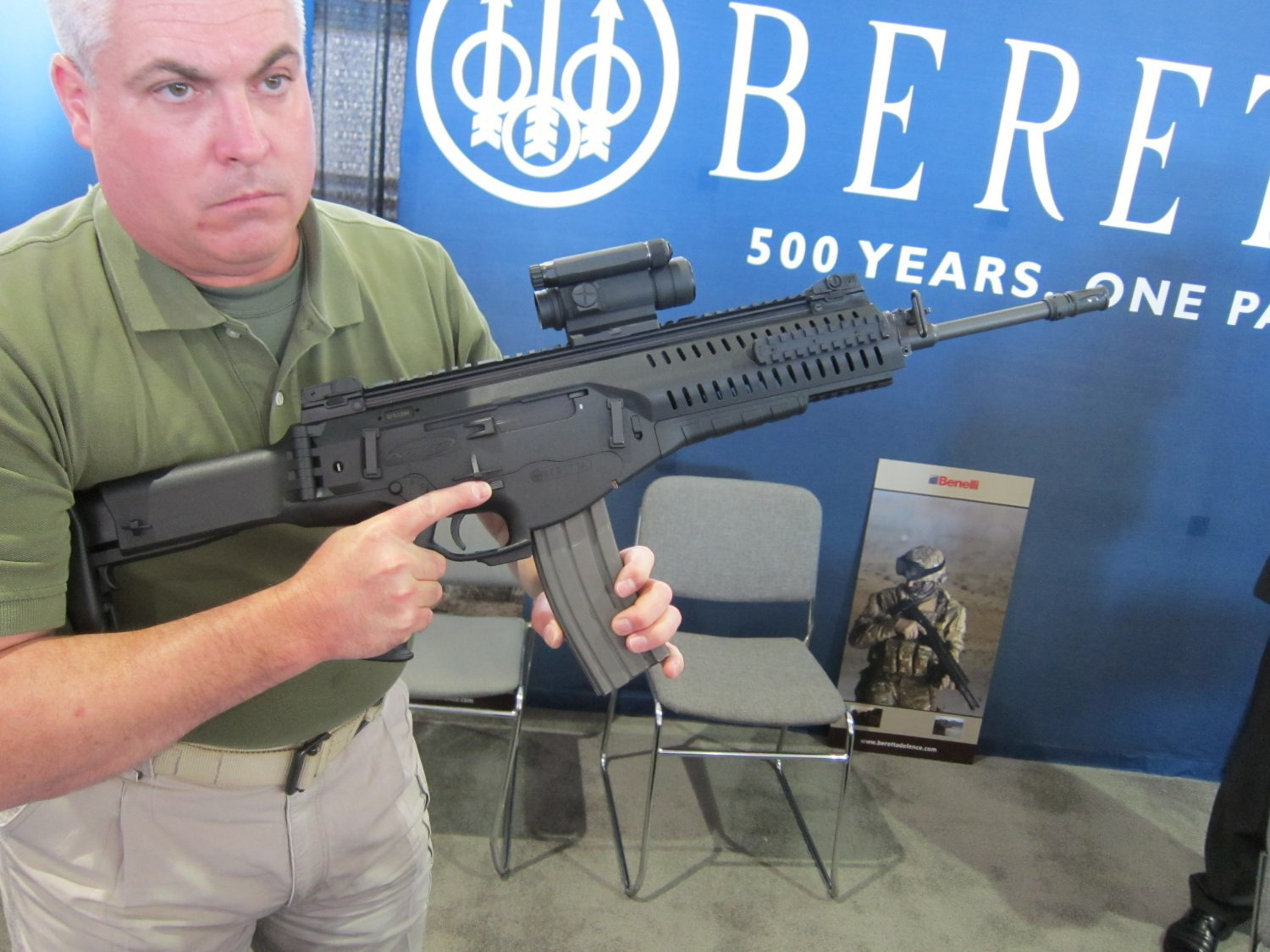 Beretta ARX 160 Assault Rifle Carbine SBR 5.56mm NATO SOFIC 2011 12 Beretta ARX 160 (also written ARX160) Modular Assault Rifle/Carbine/SBR Demo Video and Interview Transcript from SOFIC 2011: Military Special Operations Forces (SOF), Law Enforcement Officers (LEOs), and Civilian Tactical Shooters Get Tactical Rifle/Carbine with Ambi (Ambidextrous) Controls, Side Switchable Charging Handle, and Quick Change Barrel (QCB) System!