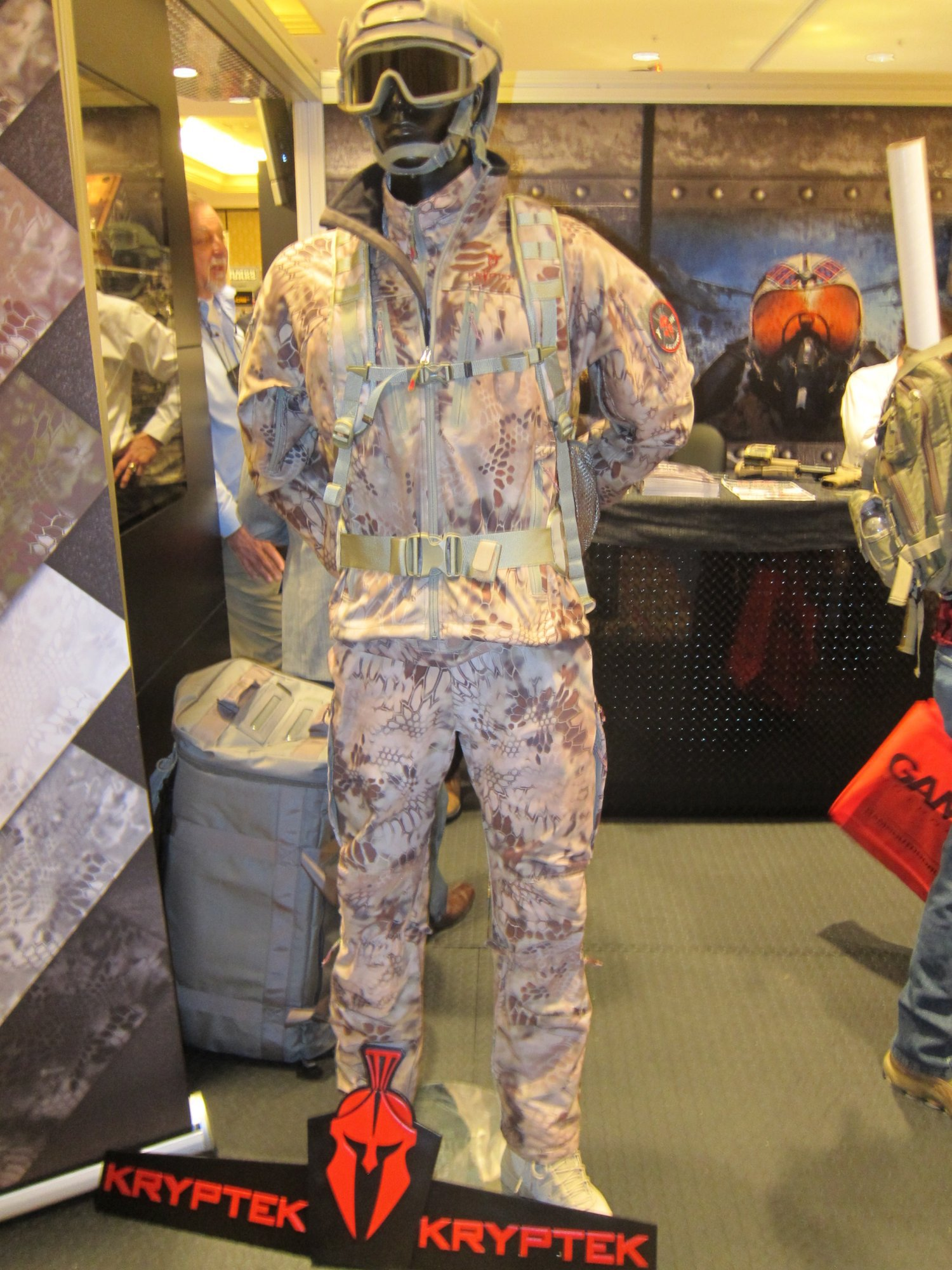 KRYPTEK LEAF Combat Camouflage Source One Distributing SOD Booth SHOT Show 2012 1 18 2012 DefenseReview.com DR 1 Kryptek LEAF/Camo Technologies 3 Dimensional (3 D)/Multi Directional Biomimetic Military Combat Camouflage (Camo) Patterns at SHOT Show 2012: Is the Armys Future Soldier Going Reptilian? (Video!)