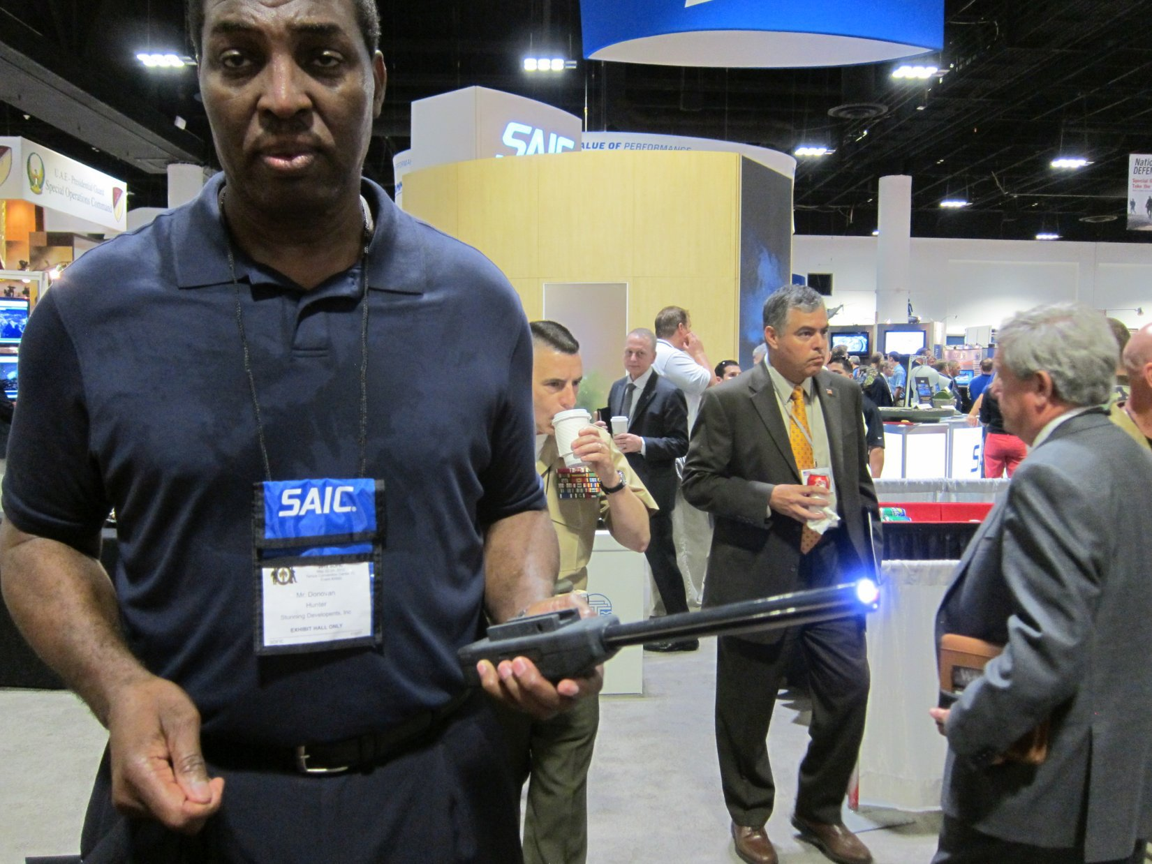 Stunning Developments BattleProd Combat Tactical Stun Baton Donovan Hunter NDIA SOFIC 2012 DefenseReview.com DR 2 Stunning Developments BattleProd Combat/Tactical Stun Baton: 3 5 Million Volt Tactical Cattle Prod for Instant Compliance in Urban Warfare Operations (Video!)