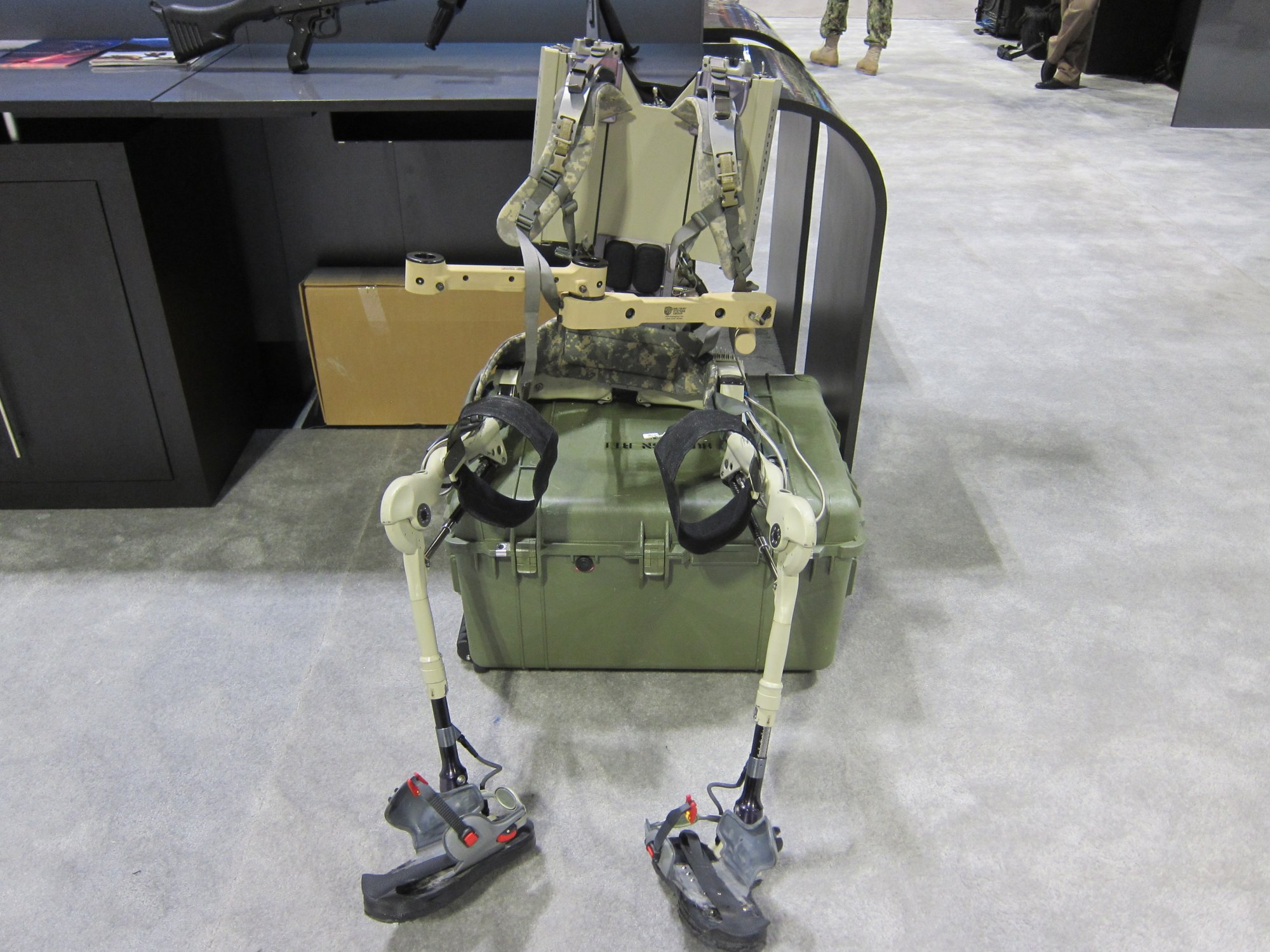 Berkeley Bionics Lockheed Martin HULC Human Universal Load Carrier Anthropomorphic Exoskeleton for Military Combat SOFIC 2012 DefenseReview.com DR 2 Lockheed Martin HULC (Human Universal Load Carrier) Anthropomorphic Robotic Exoskeleton for Future Military Special Operations Forces (SOF) Warfare at SOFIC 2012 (Video!)