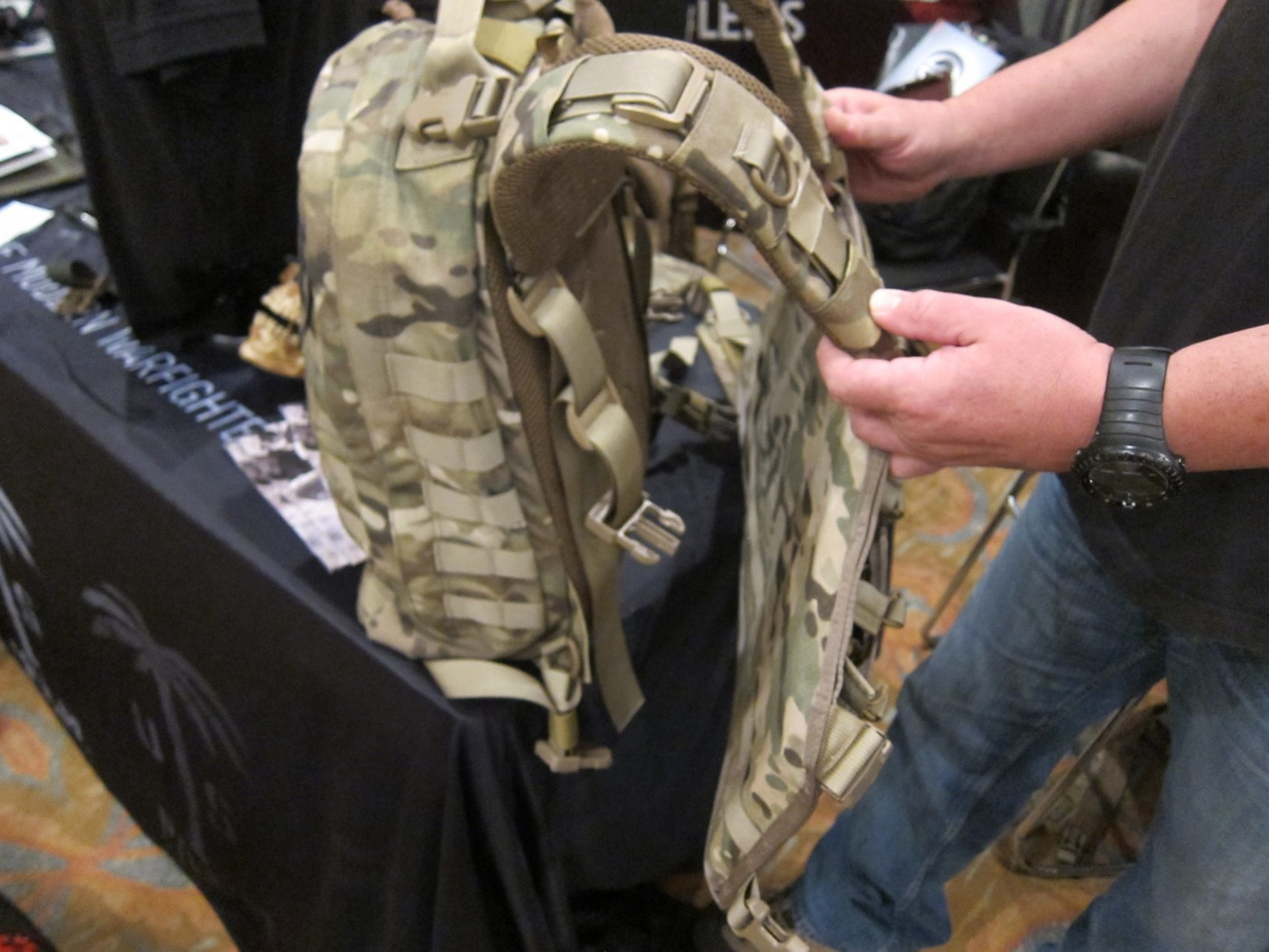 US Palm Draco Hardened Backpack HBP Tactical Pack Multi Platform Attack Rack MPAR Tactical Armor Plate Carrier Body Armor with Horse Collar System HALO Counterterrorism Summit 2012 DefenseReview.com DR 1 US Palm Draco Hardened Backpack (HBP Tactical Pack)/Multi Platform Attack Rack (MPAR) Tactical Armor Plate Carrier (Body Armor) System with Enhanced Harness System (EHS) Collar: Meet the Agile Combat System (ACS) (Video!)