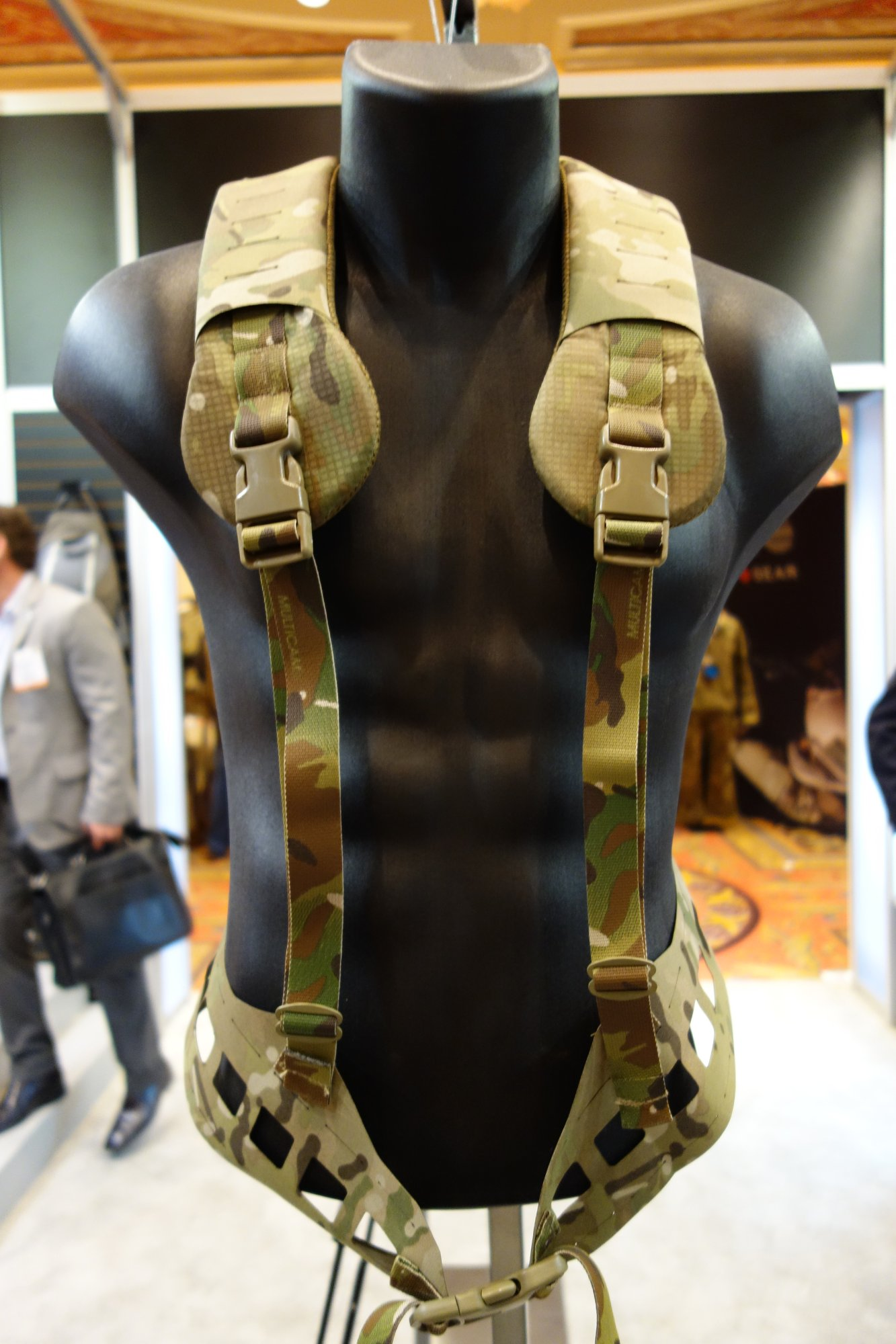 Blue Force Gear BFG BELTminus Ultra Lightweight Low Profile Low Visibility Battle Belt Chest Rig with MOLLEminus and ULTRAcomp Crye MultiCam Camo Pattern at SHOT Show 2013 David Crane DefenseReview.com DR 2 Blue Force Gear (BFG) PLATEminus Ultra Lightweight Low Profile/Low Visibility Tactical Armor Plate Carrier and BELTminus and SPLITminus Battle Belt/Chest Rig/Harness Systems with MOLLEminus Cutaway MOLLE System and ULTRAcomp Laminate: Tactical Body Armor Goes Super Minimalist
