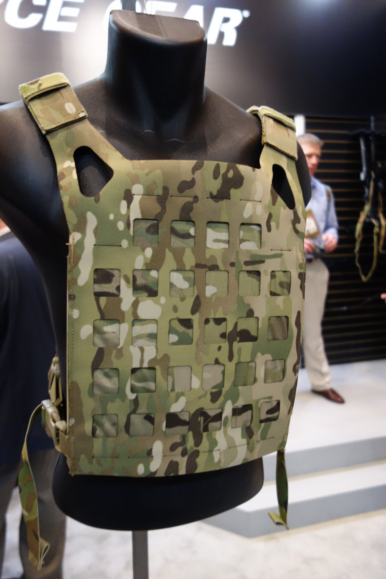 Blue Force Gear BFG PLATEminus Ultra Lightweight Low Profile Low Visibility Tactical Armor Plate Carrier with MOLLEminus and ULTRAcomp Crye MultiCam Camo Pattern at SHOT Show 2013 David Crane DefenseReview.com DR 2 Blue Force Gear (BFG) PLATEminus Ultra Lightweight Low Profile/Low Visibility Tactical Armor Plate Carrier and BELTminus and SPLITminus Battle Belt/Chest Rig/Harness Systems with MOLLEminus Cutaway MOLLE System and ULTRAcomp Laminate: Tactical Body Armor Goes Super Minimalist
