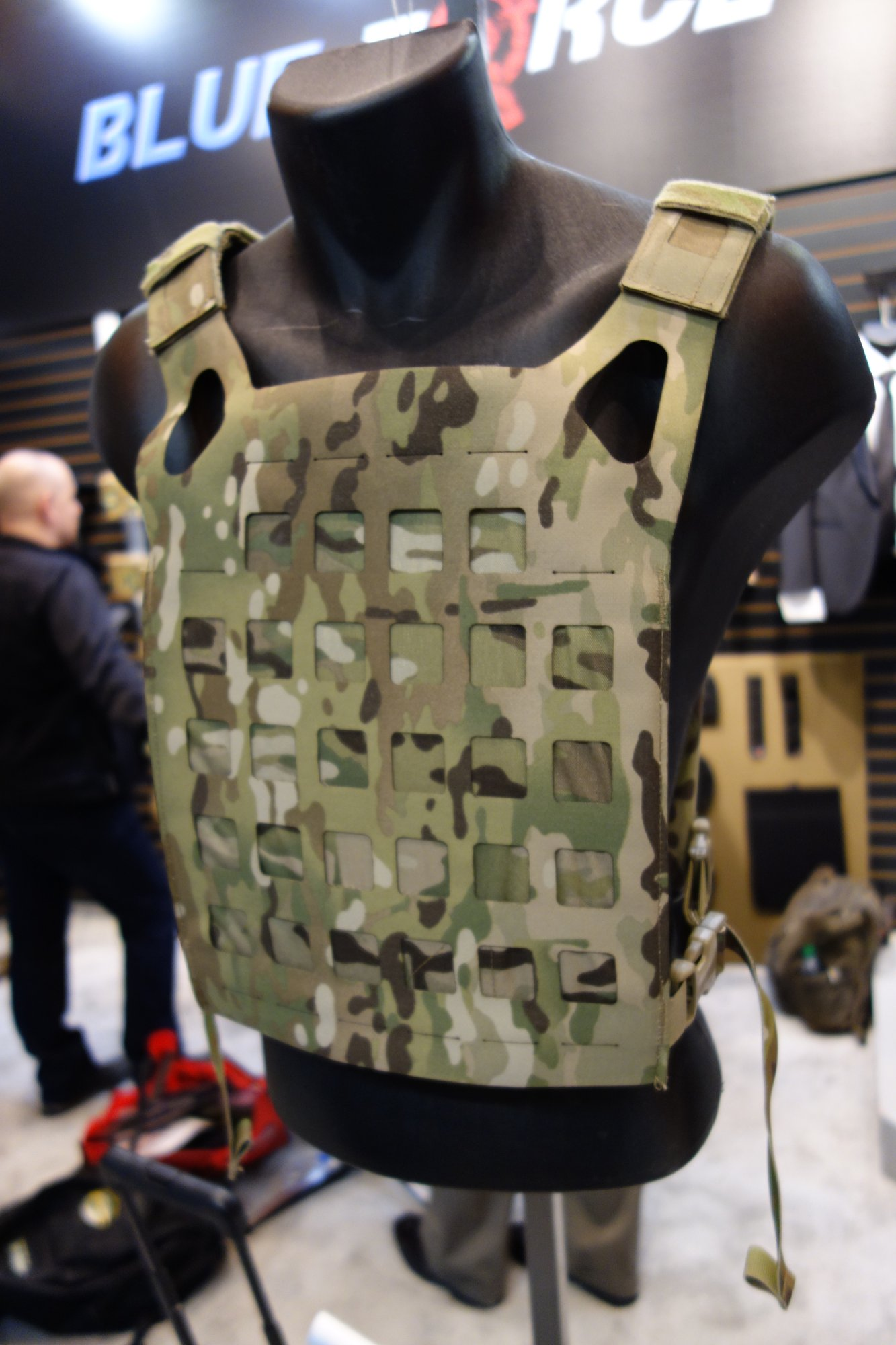Blue Force Gear BFG PLATEminus Ultra Lightweight Low Profile Low Visibility Tactical Armor Plate Carrier with MOLLEminus and ULTRAcomp Crye MultiCam Camo Pattern at SHOT Show 2013 David Crane DefenseReview.com DR 3 Blue Force Gear (BFG) PLATEminus Ultra Lightweight Low Profile/Low Visibility Tactical Armor Plate Carrier and BELTminus and SPLITminus Battle Belt/Chest Rig/Harness Systems with MOLLEminus Cutaway MOLLE System and ULTRAcomp Laminate: Tactical Body Armor Goes Super Minimalist