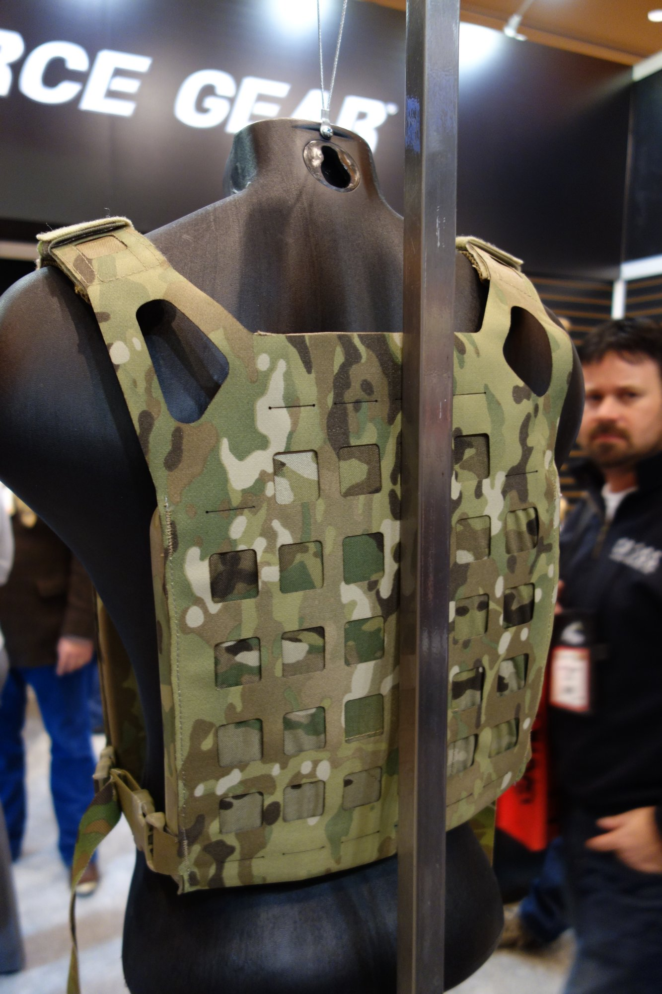 Blue Force Gear BFG PLATEminus Ultra Lightweight Low Profile Low Visibility Tactical Armor Plate Carrier with MOLLEminus and ULTRAcomp Crye MultiCam Camo Pattern at SHOT Show 2013 David Crane DefenseReview.com DR 5 Blue Force Gear (BFG) PLATEminus Ultra Lightweight Low Profile/Low Visibility Tactical Armor Plate Carrier and BELTminus and SPLITminus Battle Belt/Chest Rig/Harness Systems with MOLLEminus Cutaway MOLLE System and ULTRAcomp Laminate: Tactical Body Armor Goes Super Minimalist