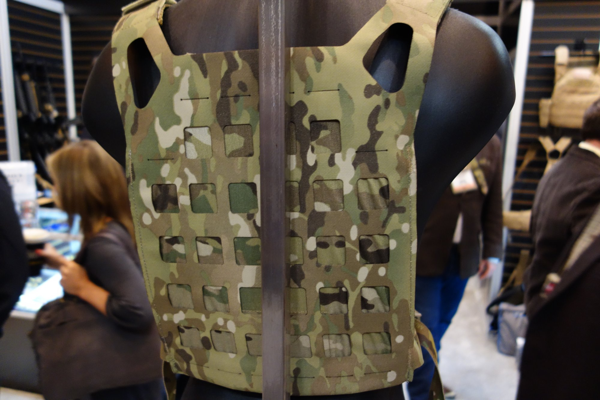 Blue Force Gear BFG PLATEminus Ultra Lightweight Low Profile Low Visibility Tactical Armor Plate Carrier with MOLLEminus and ULTRAcomp Crye MultiCam Camo Pattern at SHOT Show 2013 David Crane DefenseReview.com DR 8 Blue Force Gear (BFG) PLATEminus Ultra Lightweight Low Profile/Low Visibility Tactical Armor Plate Carrier and BELTminus and SPLITminus Battle Belt/Chest Rig/Harness Systems with MOLLEminus Cutaway MOLLE System and ULTRAcomp Laminate: Tactical Body Armor Goes Super Minimalist