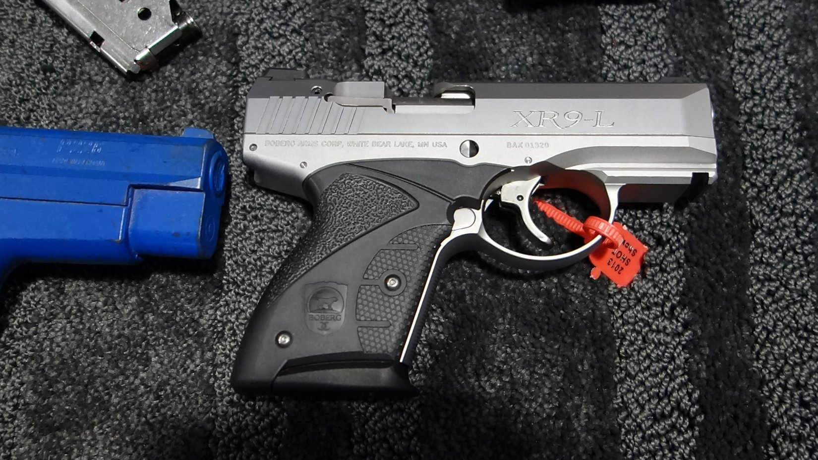 Boberg Arms XR9 L Long Stroke 9mm Sub Compact Semi Auto Pistol with Rotating Barrel SHOT Show 2013 David Crane DefenseReview.com DR 8 Boberg Arms XR9 L Long Stroke, Rotating Barrel Sub Compact Semi Auto 9mm Pistol for Concealed Carry (CCW): Big Gun Ballistic Performance in a Small Package! (Video!)