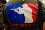 DEGUNS.net_(Discount_Enterprises_Guns)_Tactical_Shooter_Logo_T-Shirt_SHOT_Show_2013_David_Crane_DefenseReview.com_(DR)_1