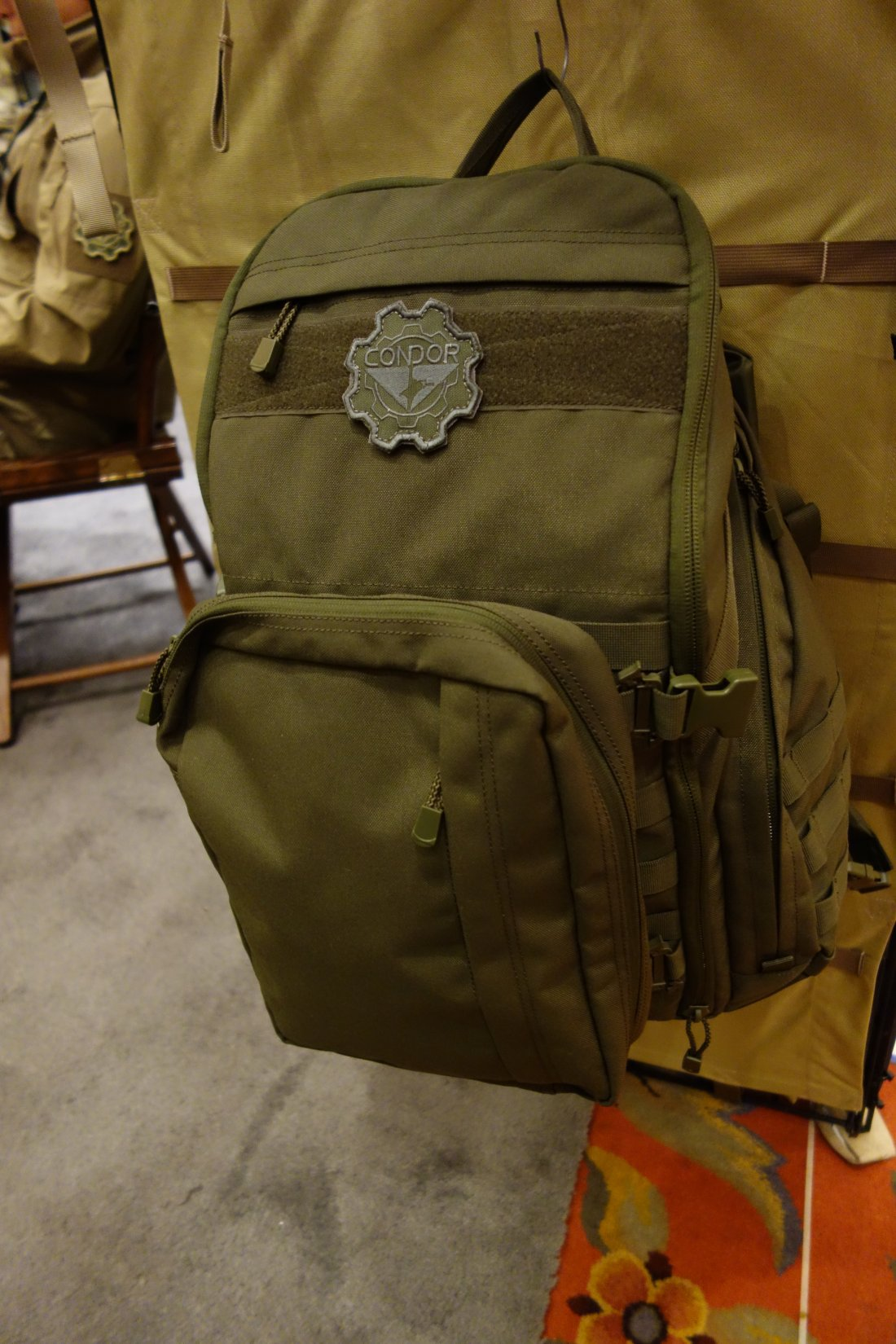 Condor Outdoor Bison Backpack Combat Tactical Pack with Tactical Hydration Capability Andy Chen SHOT Show 2013 David Crane DefenseReview.com DR 2 Condor Bison Backpack: Combat/Tactical Pack with Tactical Hydration Capability  and it can Carry Your Laptop! (Video!)