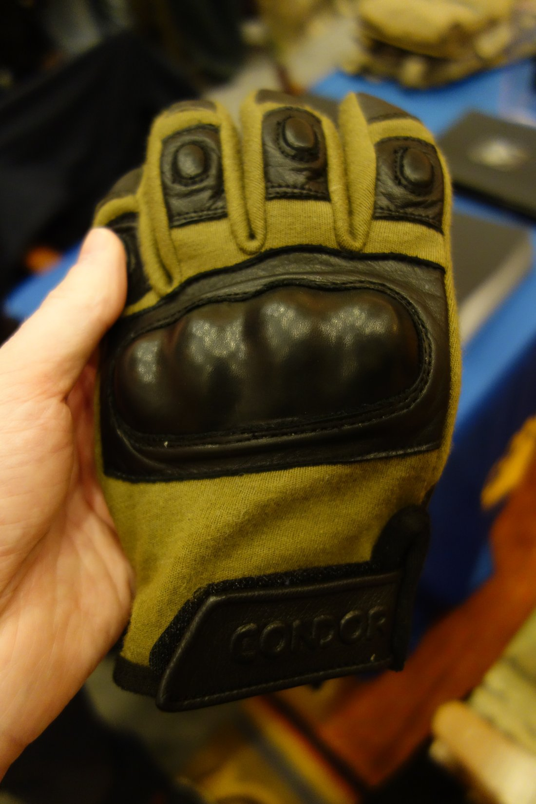 Condor Outdoor Syncro Tactical Glove Tactical Shooting Gloves with HK251 Touchtec Nanotechnology Leather Andy Chen SHOT Show 2013 David Crane DefenseReview.com DR 6 Condor Syncro Hard Knuckle Tactical Glove with TouchTec Nanotechnology: Touchscreen Friendly Tactical Shooting Gloves Allow You to Operate Smartphone and Tablet Computer! (Video!)