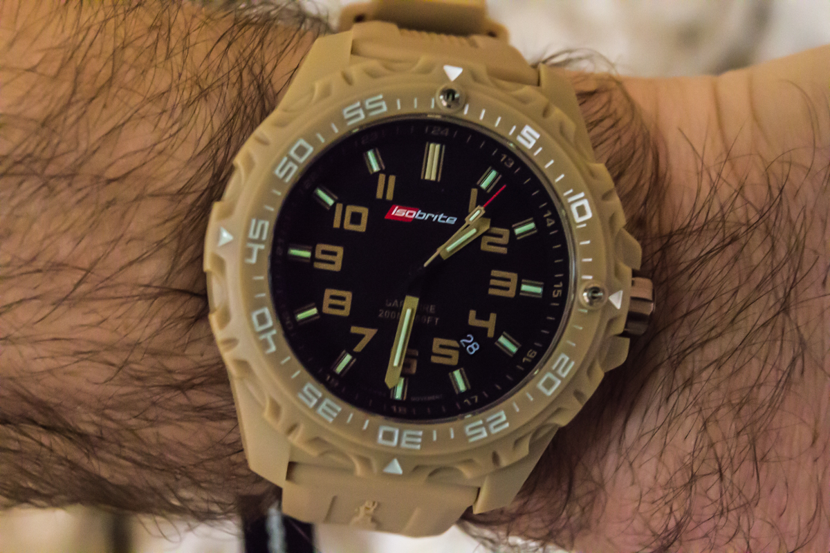 ArmourLite Isobrite Valor Polycarbonite Diving Tactical Watch 3 ArmourLite introduces Isobrite Valor Series Diving/Tactical Watches Offering Ultra Bright T100 Tritium Illumination with New Bold Colors