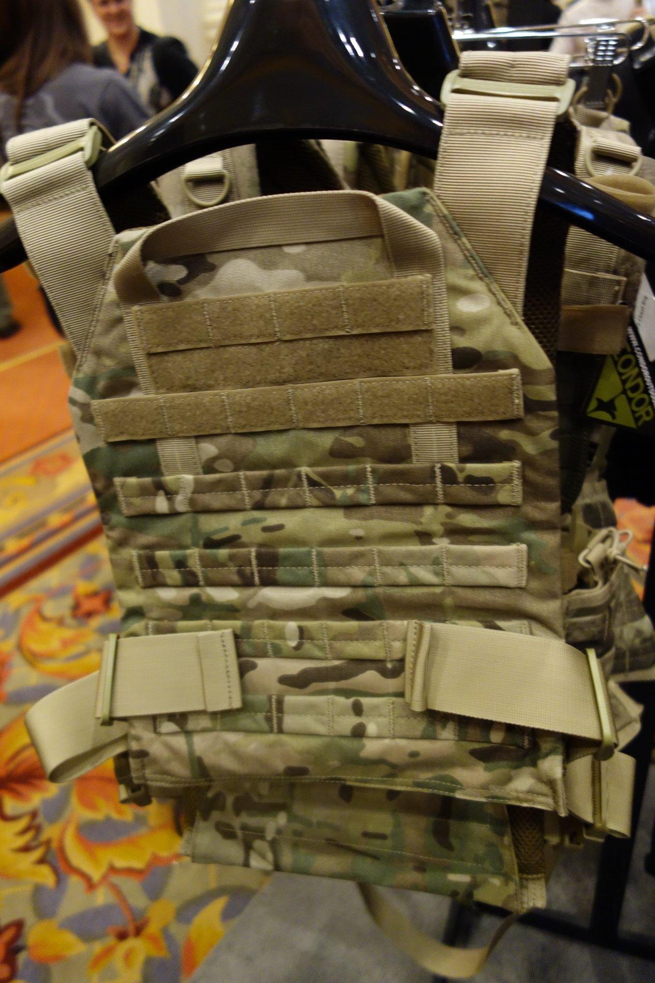 Condor Outdoor Sentry Tactical Armor Plate Carrier Prototype SHOT Show 2014 David Crane DefenseReview.com DR 2 Condor Sentry Lightweight Tactical Armor Plate Carrier Prototype: Lightweight Minimalist/Lo Pro/Lo Vis Tactical Body Armor/Tactical Vest with Fast Adjustable Shoulder Straps and Side Straps