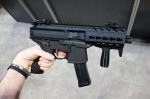 SIG_SAUER_SIG_MPX_Machine_Pistol_Submachine_Gun_SBR_Carbine_Multi-Caliber_PDW_(Personal_Defense_Weapon)_NDIA_SOFIC_2014_David_Crane_DefenseReview.com_(DR)_14