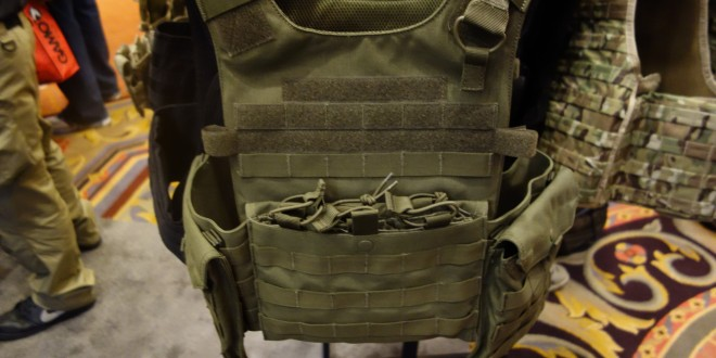 Condor Gunner Lightweight Plate Carrier: Minimalist Quick-Release Tactical Armor Plate Carrier/Tactical Vest (Body Armor) for Tactical Operations