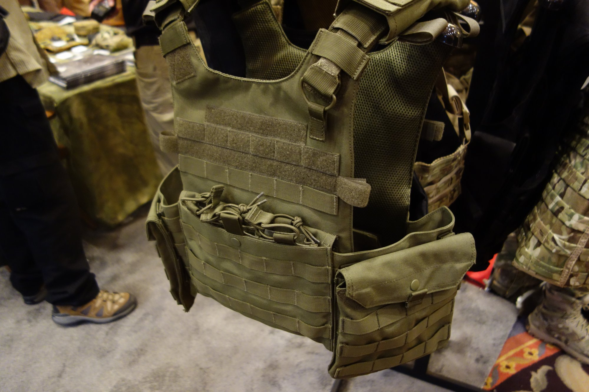 Condor Gunner Lightweight Plate Carrier Quick Release Tactical Armor Plate Carrier Body Armor Tactical Vest Henry Ko Condor Outdoor Products SHOT Show 2014 David Crane DefenseReview.com DR 2 Condor Gunner Lightweight Plate Carrier: Minimalist Quick Release Tactical Armor Plate Carrier/Tactical Vest (Body Armor) for Tactical Operations