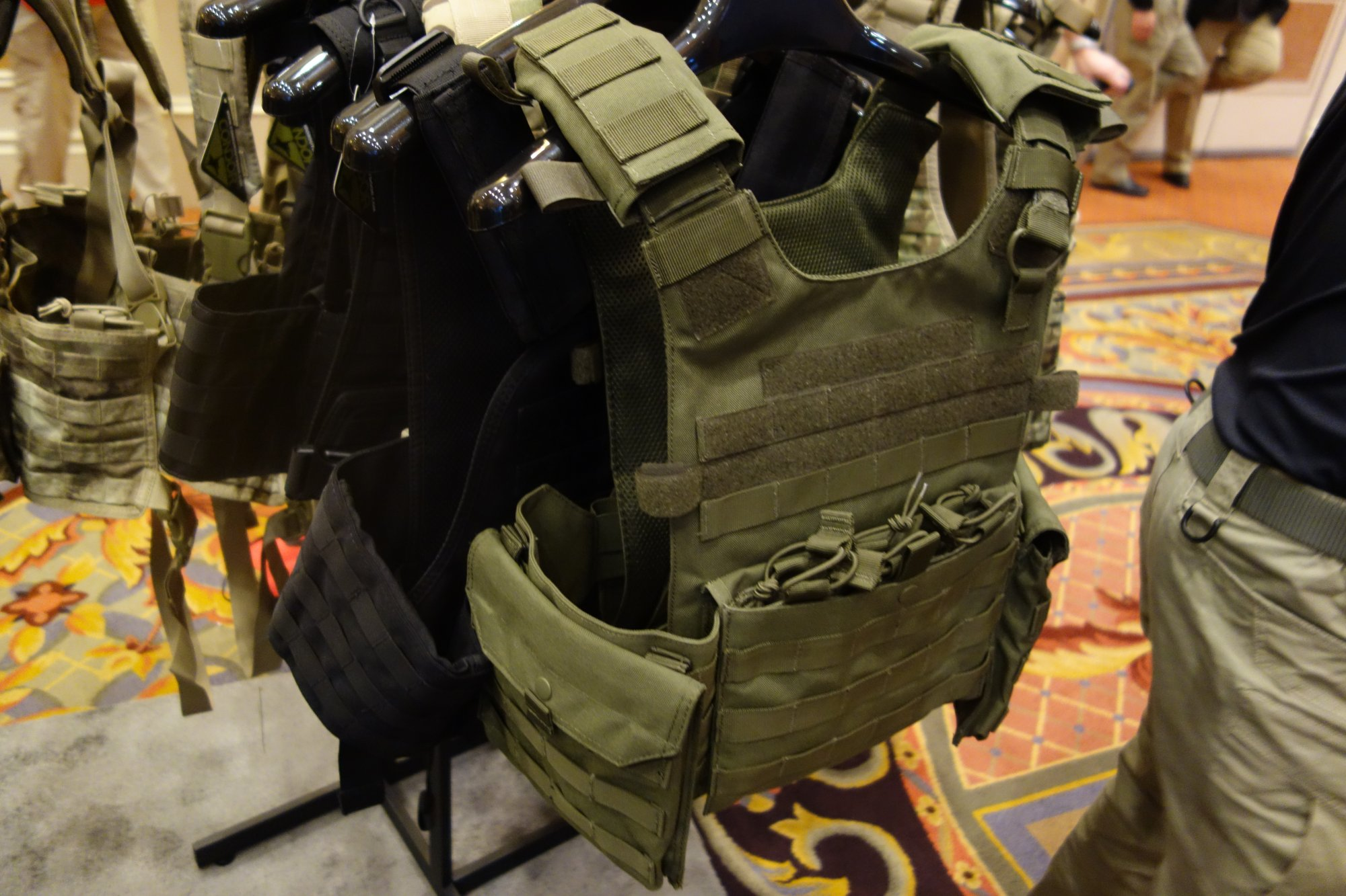 Condor Gunner Lightweight Plate Carrier Quick Release Tactical Armor Plate Carrier Body Armor Tactical Vest Henry Ko Condor Outdoor Products SHOT Show 2014 David Crane DefenseReview.com DR 3 Condor Gunner Lightweight Plate Carrier: Minimalist Quick Release Tactical Armor Plate Carrier/Tactical Vest (Body Armor) for Tactical Operations