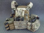 ATS_Tactical_Gear_KDU_Pouch_for_Combat_Tactical_Radio_Keypad_Jeff_Gurwitch_DefenseReview.com_(DR)_On_Vest