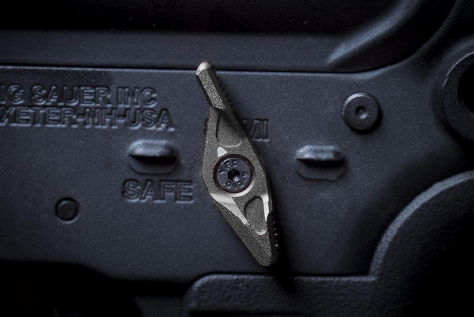 Strike Industries SI Strike Switch 60/90-Degree AR-15 Safety