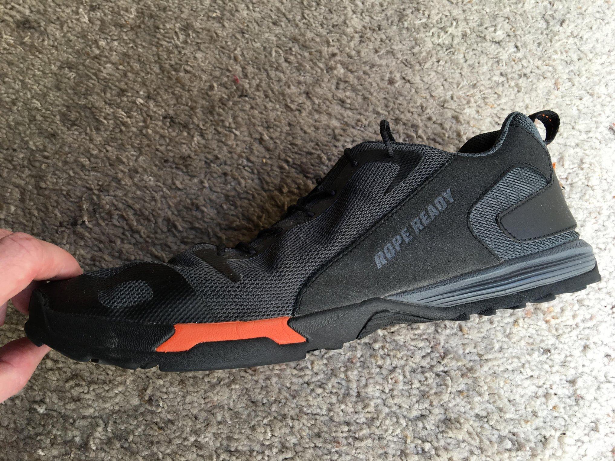 lightweight training shoes