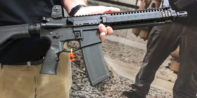 Daniel Defense DD MK18 (MIL-SPEC+) 10.3″ Tactical AR-15 Pistol (with Arm Brace) and SBR Configurations with Carbon-Fiber-Infused Polymer DD 32-Round 5.56mm/300BLK AR Mag (Magazine)!