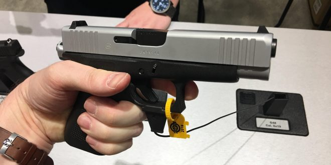Glock 48 (G48) Simline, Single-Stack Compact Concealed Carry (CCW) Pistol for Glock 19 (G19) Lovers: 10 Rounds of Onboard 9mm Firepower! (Video!)