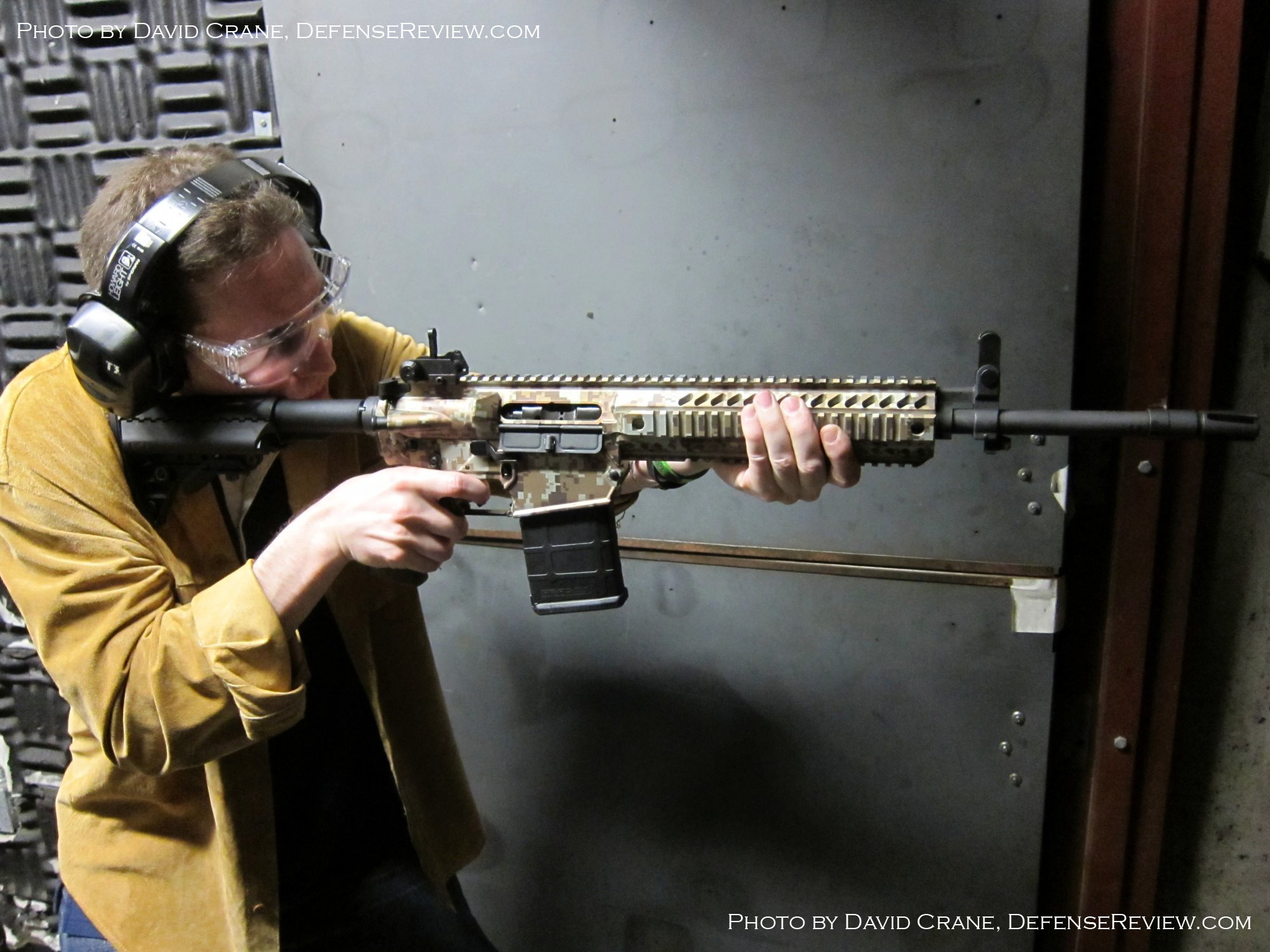 <!--:en-->DR Exclusive First Look!: SCAR Who? Meet the Colt Modular Carbine (CMC) Model CM901 Multi-Caliber 7.62mm NATO Battle Rifle / 5.56mm NATO Assault Rifle for U.S. Military Special Operations Forces (SOF) and General Infantry Forces (GIF). DefenseReview (DR) Reports (Photos and Video!) <!--:-->