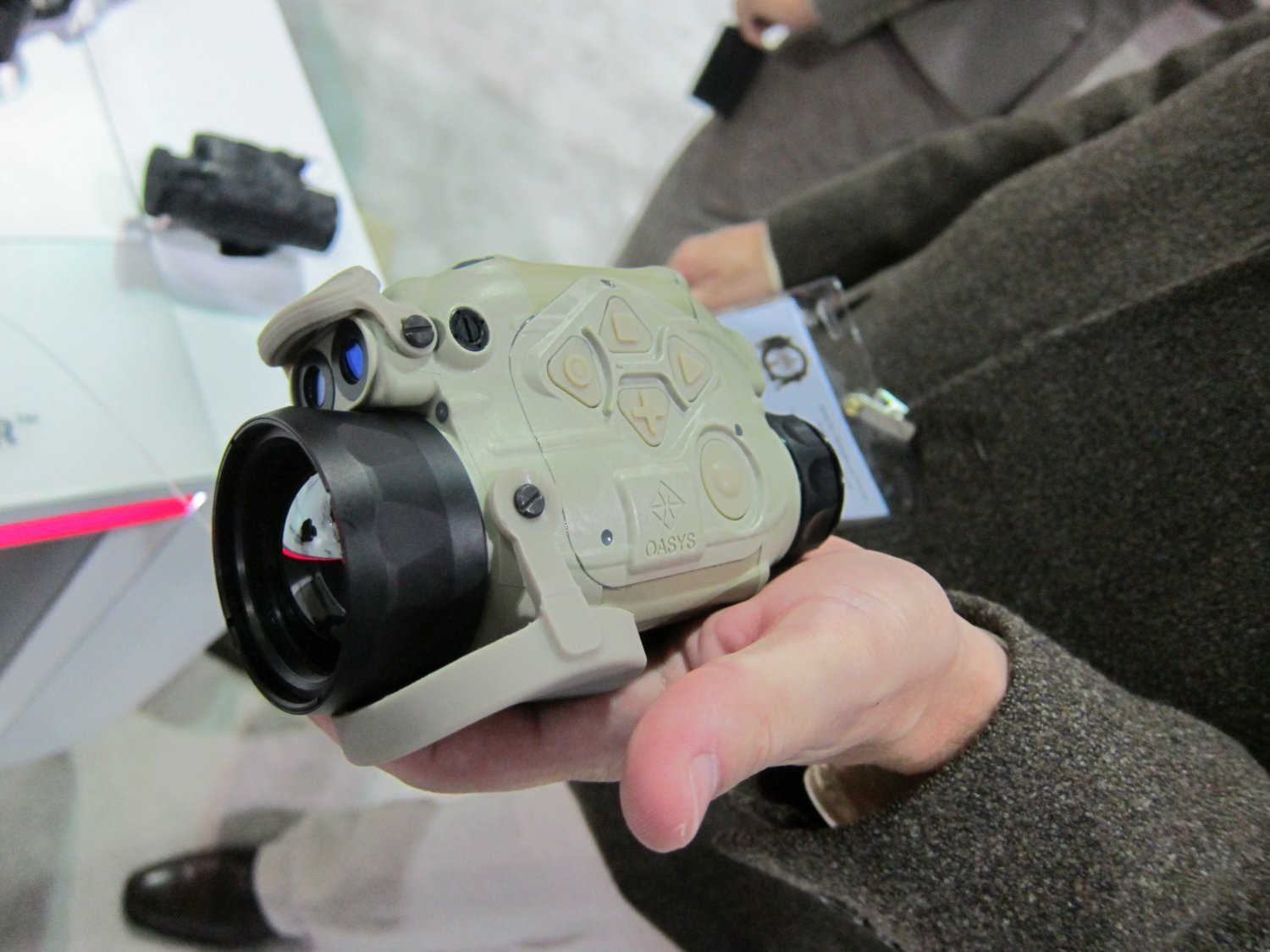 <!--:en-->DR Video and Interview!: BAE Systems OASYS SkeetIR and StalkIR Universal Thermal Monocular (UTM) Thermal/IR (Infrared) Weapon Sights with Cantilevered Universal Weapons Mount (UWM) and Modular Night Vision (NV)/IR Fusion HMD Capability!: Operator/Sniper-Developed Electro-Optics for the 21st-Century Future Soldier/Warfighter<!--:-->