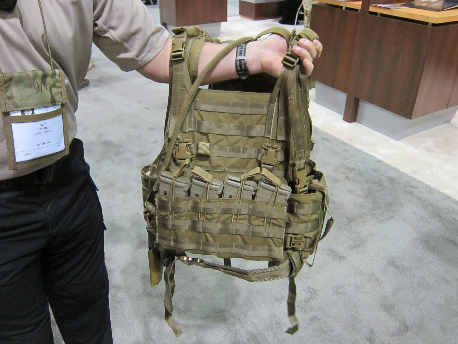 <!--:en-->Archangel Armor Internal Frame Load-Bearing System (IFLBS) Version 5 Tactical Armor Plate Carrier/Tactical Vest System: Lighten your load when you're in combat mode!<!--:-->