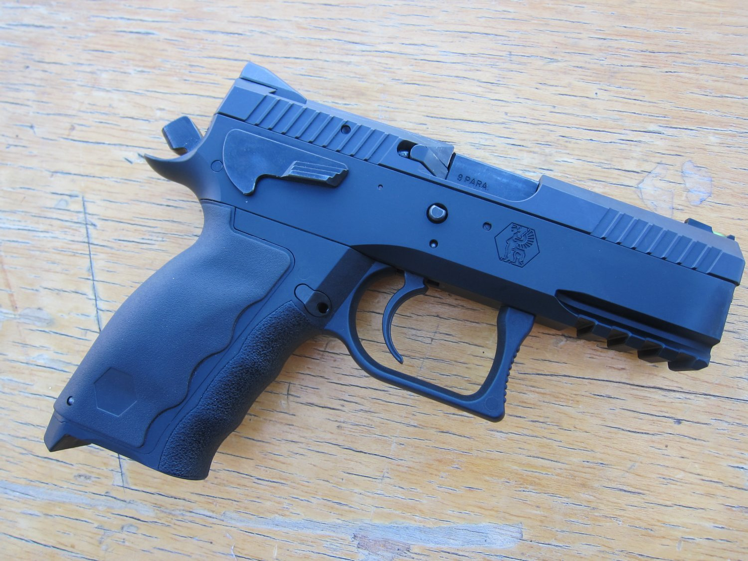 KRISS USA Sphinx SDP Compact High-Capacity 9mm Tactical/Combat Pistol (with DEFIANCE Silencer/Sound Suppressor) Impresses at the Range at SHOT Show 2012 Media Day!