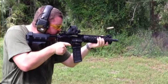 Checkmate Guns Liberator Pistol AR15 10.5″ Tactical AR-15 SBR/PDW (Short Barreled Rifle/Personal Defense Weapon) with Civilian-Legal Two-Shot/Double-Tap Trigger System and SIG SAUER SIGTAC SB15 Stabilizing Brace/Buttstock (Video!)